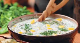 Aukstā jogurta zupa recepte