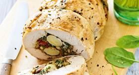 Pildīta vistas rulete ar paipalu olām un spinātiem recepte
