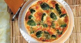Kūka ar brokoļiem un cūkgaļu recepte