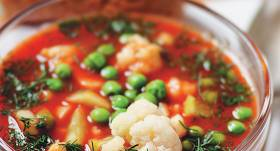 Aukstā tomātu zupa ar ziedkāpostu recepte
