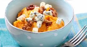 Batātes biezenis ar zilo sieru un valriekstiem recepte