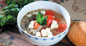 Pupiņu zupa ar fetu un šitaki recepte