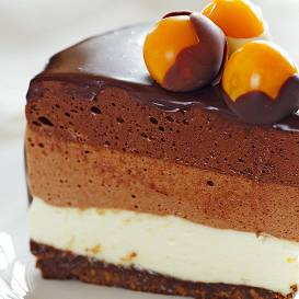 Trīskrāsu šokolādes torte
