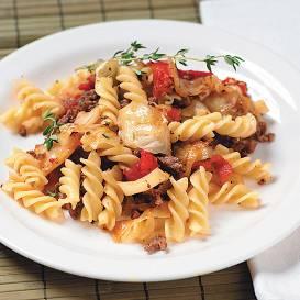 Maltā gaļa ar kāpostiem makaronos recepte