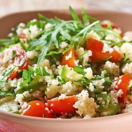 Pavasara salāti ar kuskusu recepte
