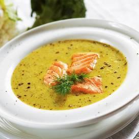 Brokoļu un ziedkāpostu zupa ar lasi