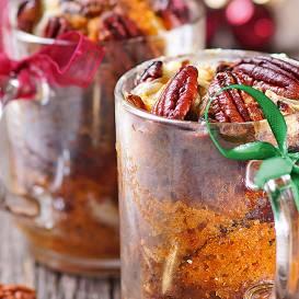 Ziemassvētku kūka glāzē