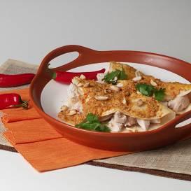 Vistas enčiladas ar zemesriekstu un mandeļu mērci recepte