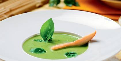 Aukstā zaļā zupa ar vistu recepte
