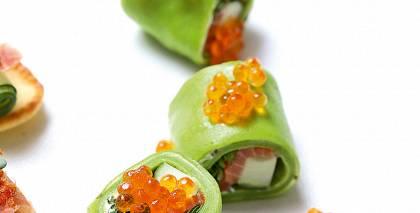 Zaļās pankūkas ar mazsālītu lasi recepte
