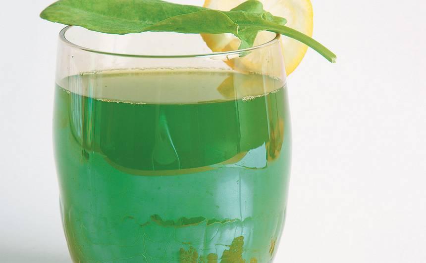 Jauno skābeņu lapiņu dzēriens recepte