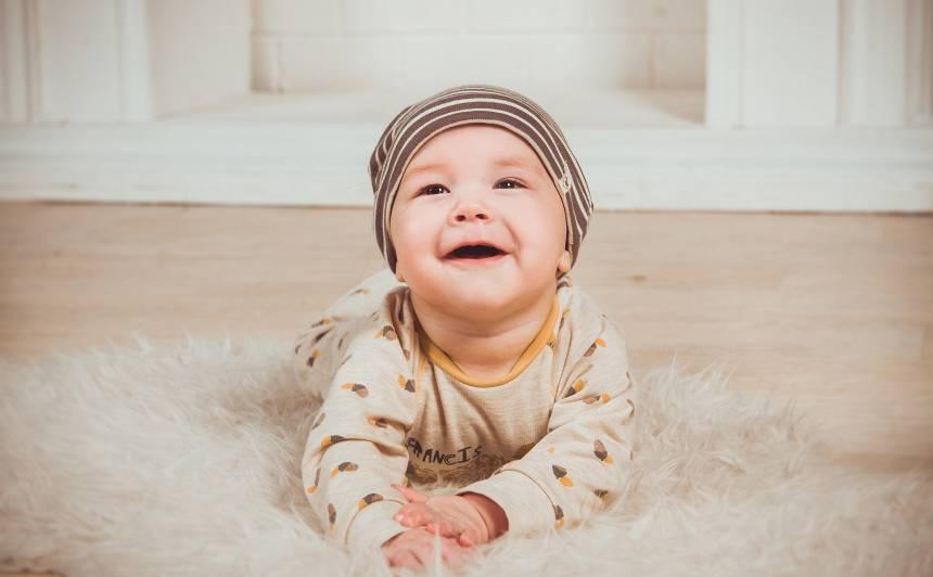 Svarīgākais par mazuļa sesto dzīves mēnesi
