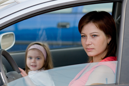 <strong>Grūtniece autoskolā.</strong> Par un pret!