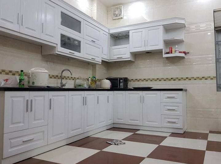 Kāda ir vispiemērotākā <strong>grīda virtuvei?</strong>