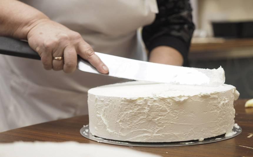 Kā sagatavot torti dekorēšanai