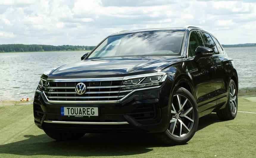 <strong>Volkswagen Touareg</strong> pirmais testa brauciens
