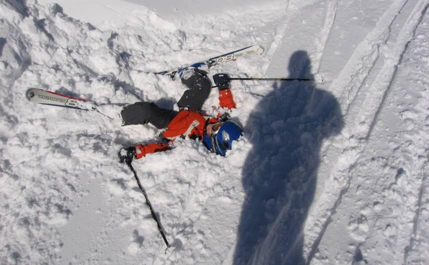 """Foto no konkursa """"Mazais slēpotājs"""", bildē redzams Ansis Jānis."""