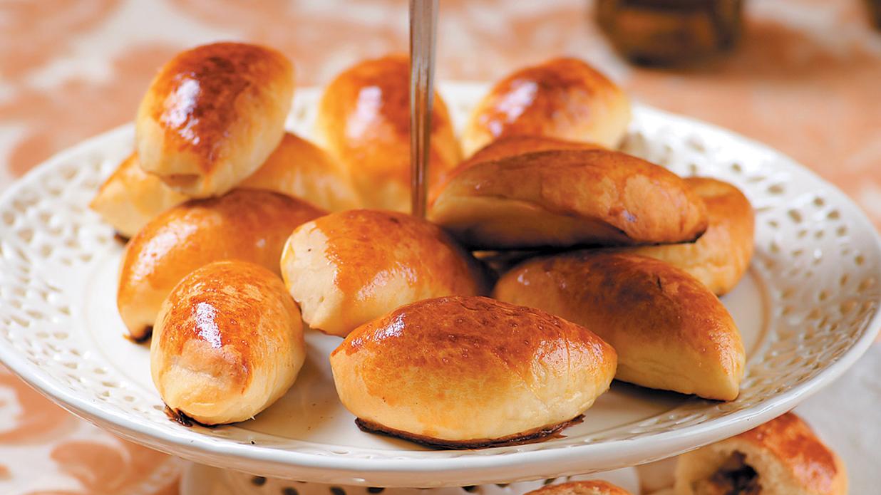 Speķa pīrādziņi ar kūpinātu cūkas krūtiņu recepte