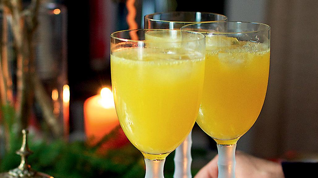 Saldētas apelsīnu granitas un šampanieša kokteilis