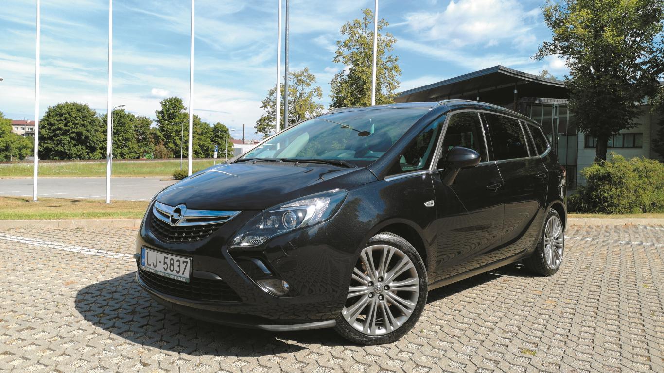 Lietots auto: <strong><em>Opel Zafira Tourer</em> (11–19)</strong> — ekspertu atsauksmes