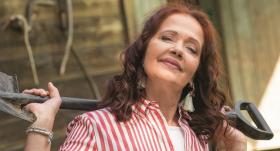 Aktrise Regīna Devīte — <strong>Burtnieku donkihots</strong>