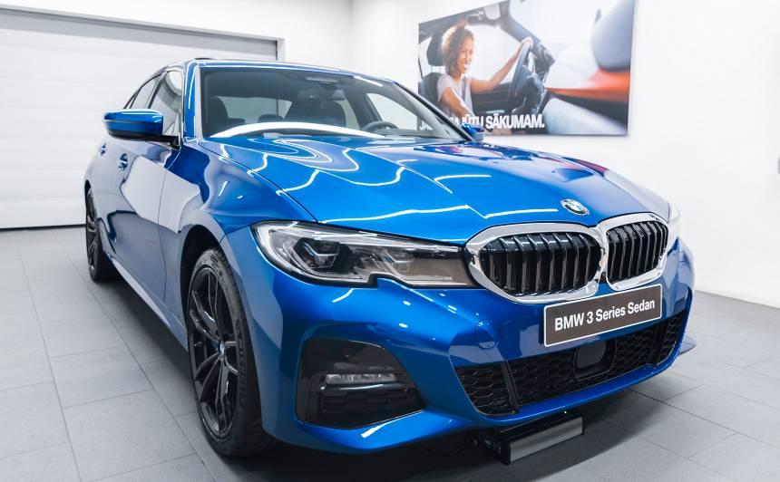 Latvijā prezentēts jaunais <strong>BMW 3. sērijas</strong> sedans (FOTO)