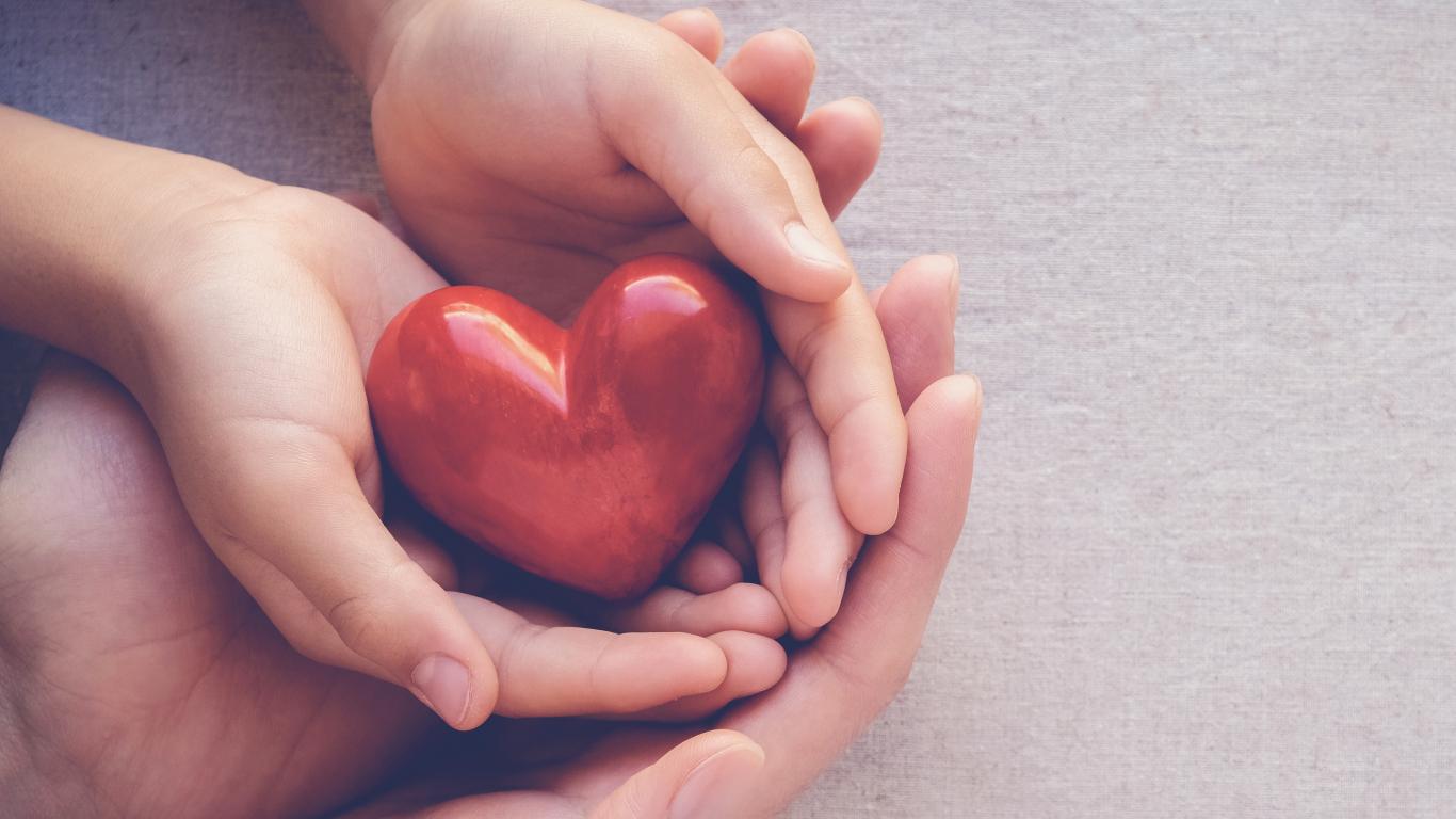 <strong>Kā mīlēt savu sirdi</strong>? Un kāpēc tieši sievietēm jāpievērš tam īpaša uzmanība?
