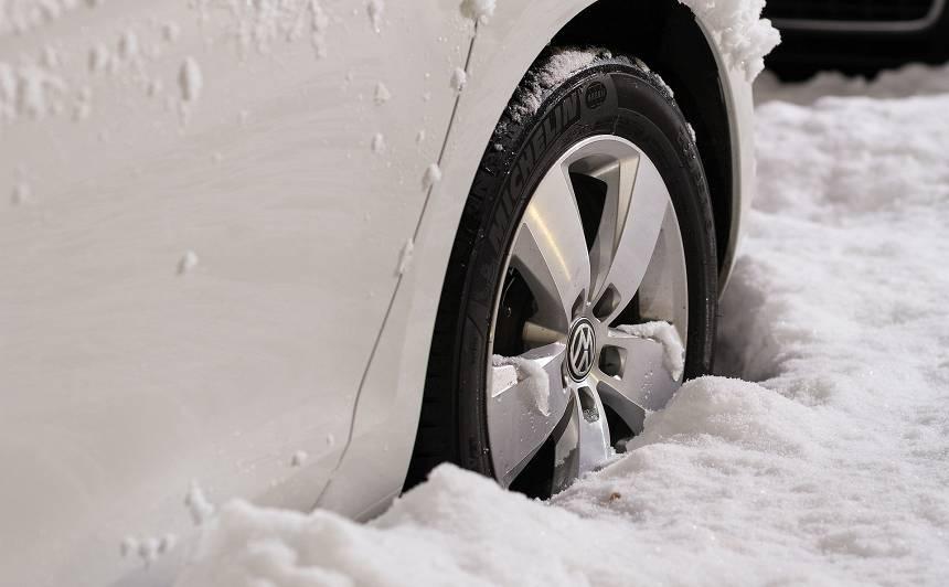<strong>Kā pareizi</strong> uzglabāt auto ziemas periodā?