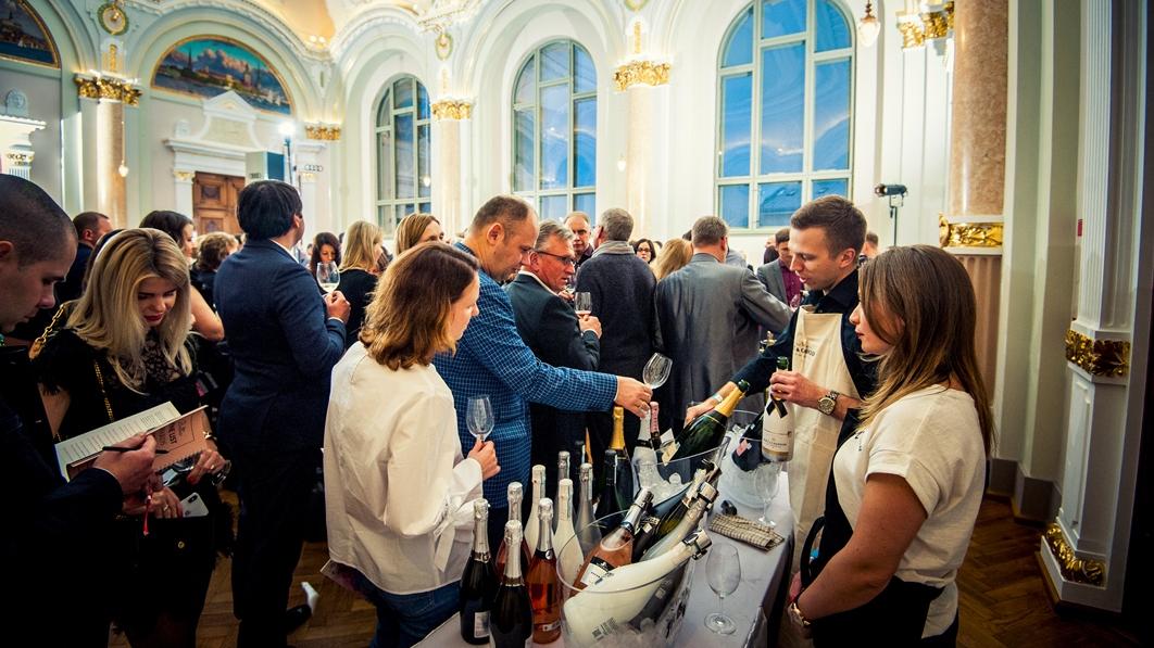<strong>Burbuļu cienītājus</strong> aicina uz tradicionālo šampanieša festivālu Rīgā<br />