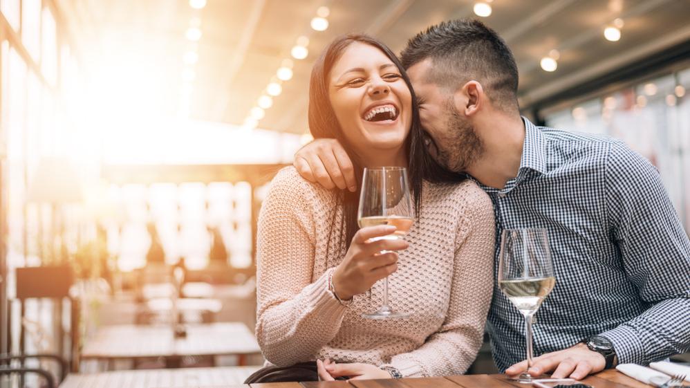 Pāri, kas kopā dzer vīnu, <strong>dzīvo laimīgāk</strong>