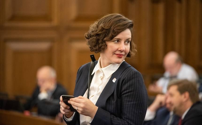 Dana Reizniece-Ozola: <strong>«Sievietes Latvijas politikā vēl arvien diskriminē»</strong>