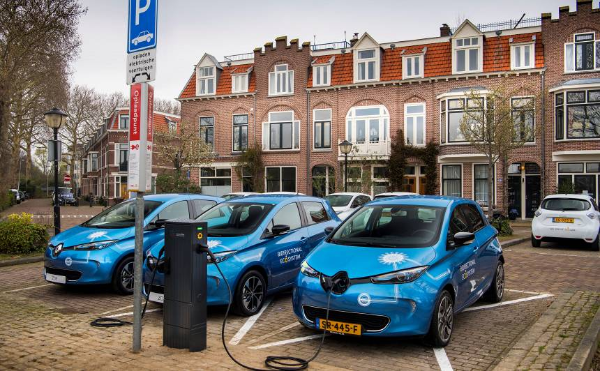 <strong>Eksperiments:</strong> Renault pirmo reizi veic elektroauto divvirzienu uzlādi