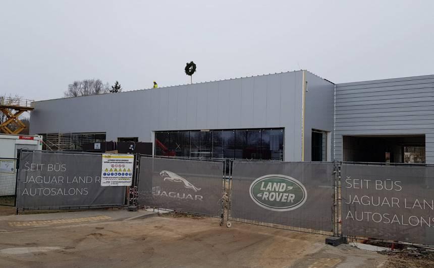 Spāru svētki <strong>Baltijā lielākajam</strong> Jaguar Land Rover autosalonam