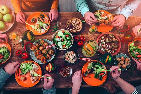 Eiropā vidēji 53% pārtikas tiek izniekots tieši mājsaimniecībās
