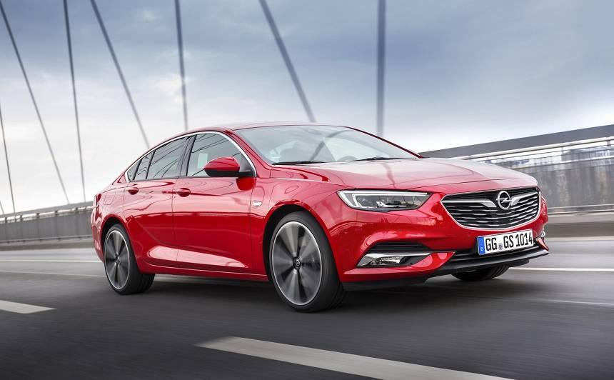 <em>Opel Insignia</em> iegūst titulu <strong><em>Labākais pilnpiedziņas auto 2019</em></strong>