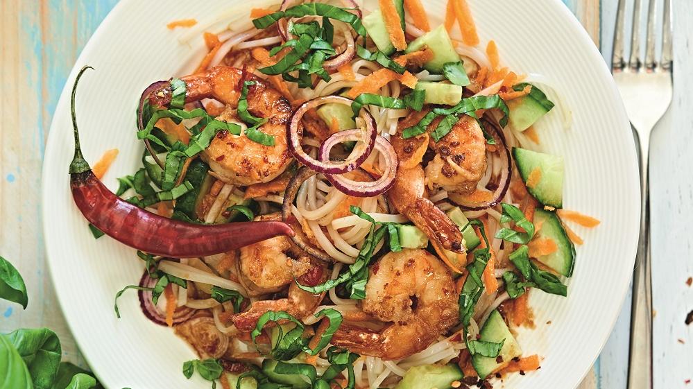 Garneļu un rīsu nūdeļu salāti