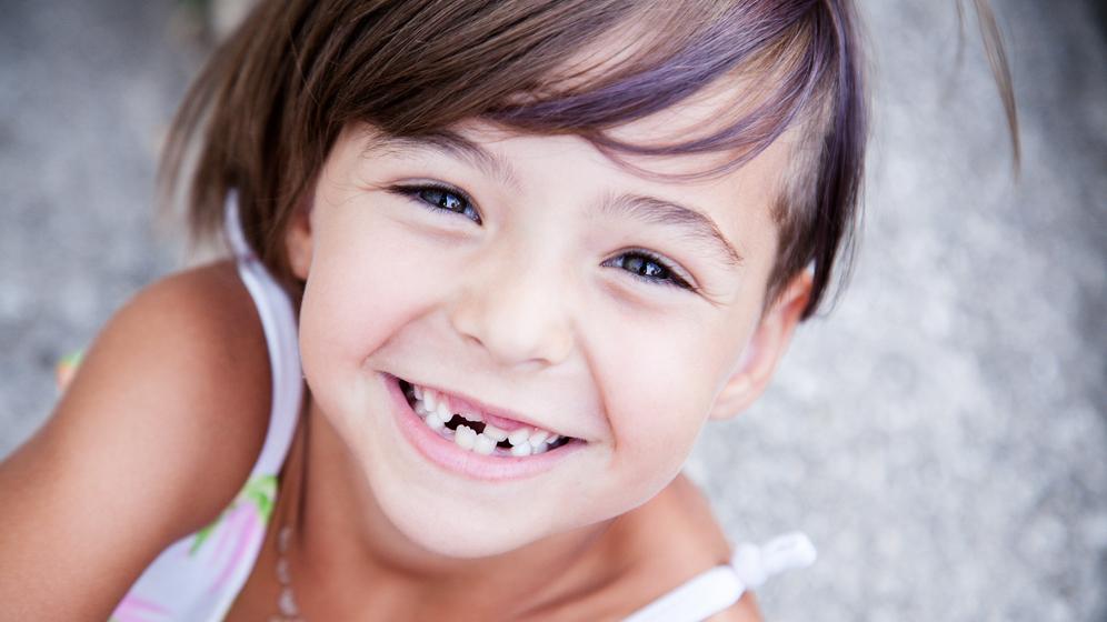 Trīsgadniekam piena zobos <strong>20 caurumi!</strong> Ko darīt, lai mazie zobi būtu stipri?
