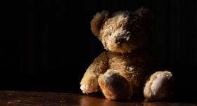 9 situācijas, kad <strong>jāziņo par iespējamu apdraudējumu bērnam</strong>