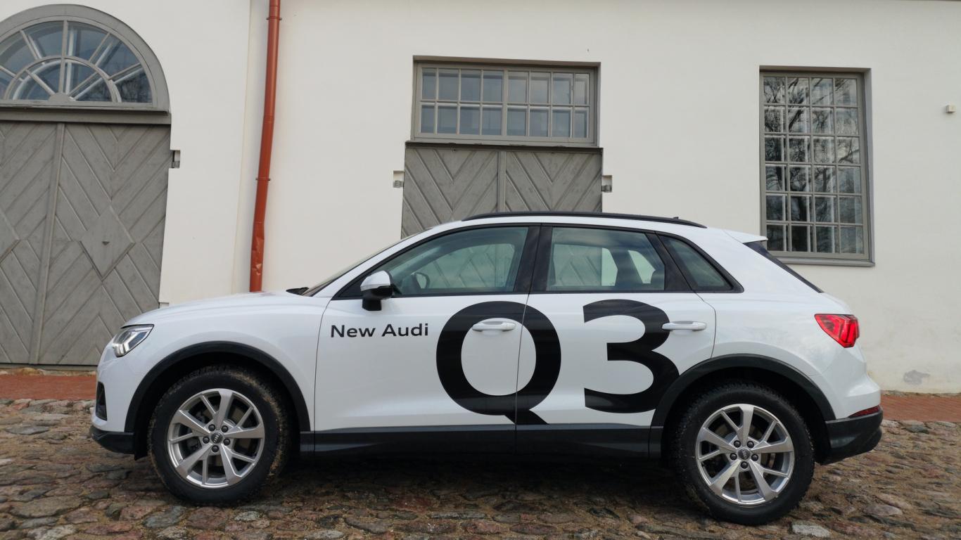 <strong><em>Audi Q3</em></strong> pirmais testa brauciens
