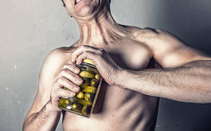 <strong>Testosterona kritums pēc 40</strong> — kā ar to cīnīties?