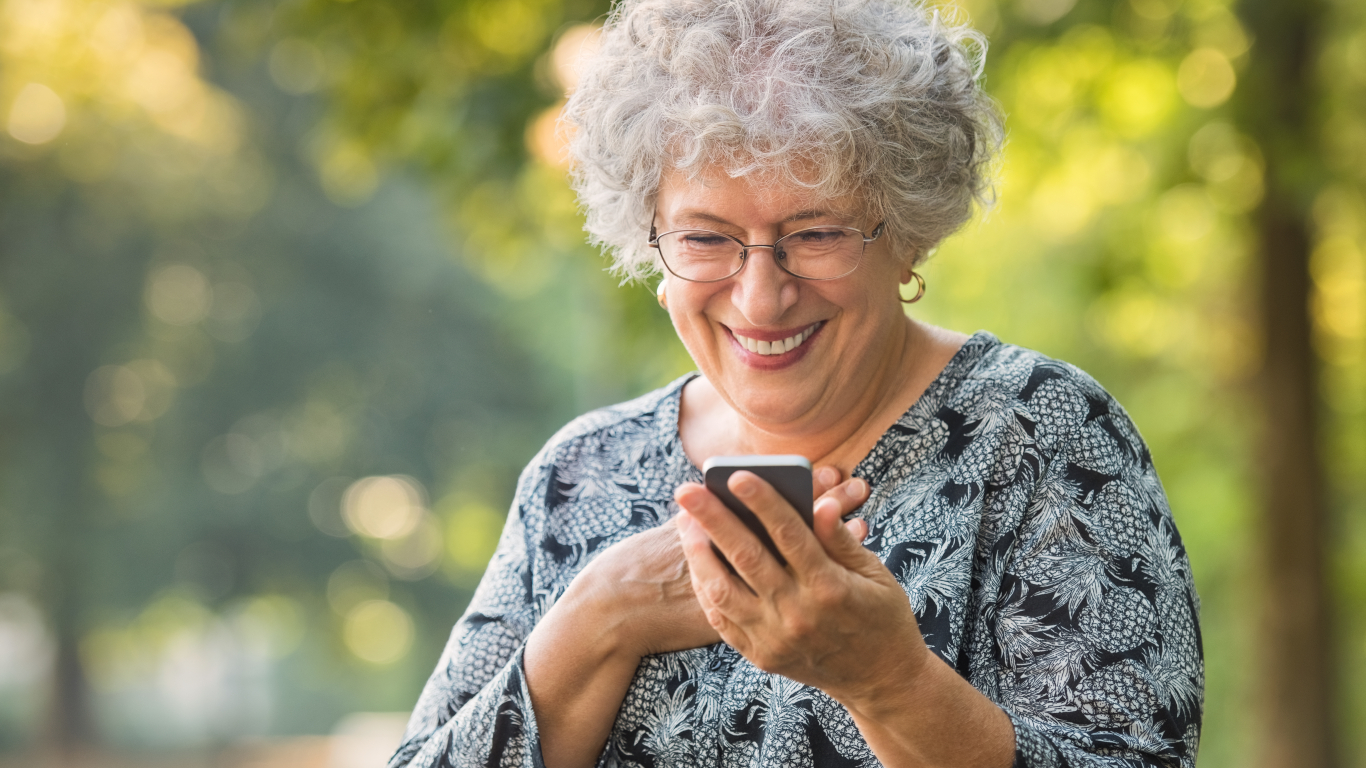 5 vienkārši padomi, kā <strong>neļaut telefonam kontrolēt tavu dzīvi</strong>