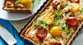 Sparģeļu un tomātu tarte