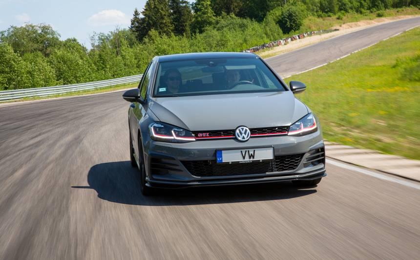 <em>Volkswagen</em> Baltijā prezentē <strong>ātrāko <em>GTI</em> sērijas modeli</strong> — <em>Golf GTI TCR</em>