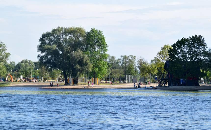 Veselības inspekcija <strong>neiesaka peldēties</strong> Lucavsalas un Pasta salas peldvietās