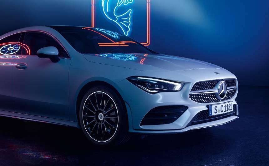 <strong><em>Mercedes-Benz</em></strong> atklājis jauno <em>CLA</em> kupeju