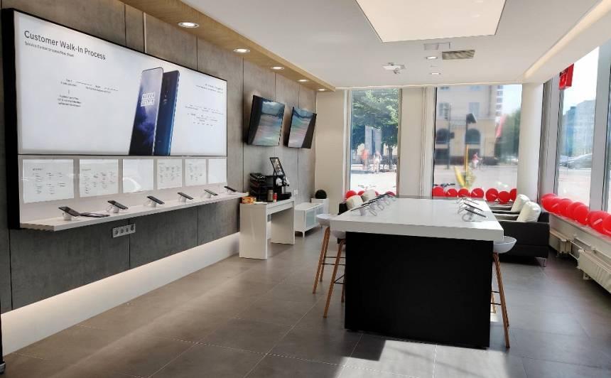 Viedtālruņu ražotājs <em>OnePlus</em> Helsinkos atver pirmo servisa centru Eiropā, <strong>apkalpos arī Latvijas klientus</strong>
