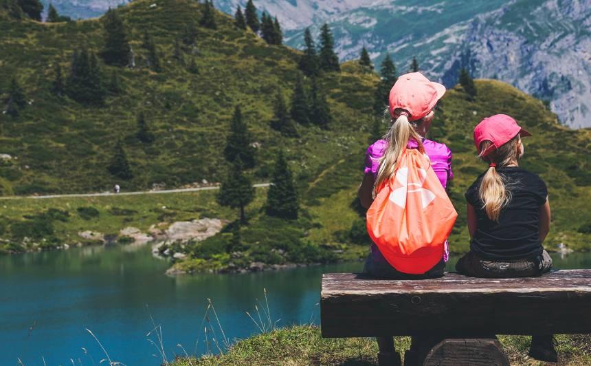Kas <strong>jāņem līdzi,</strong> dodoties ceļojumā kopā ar bērnu