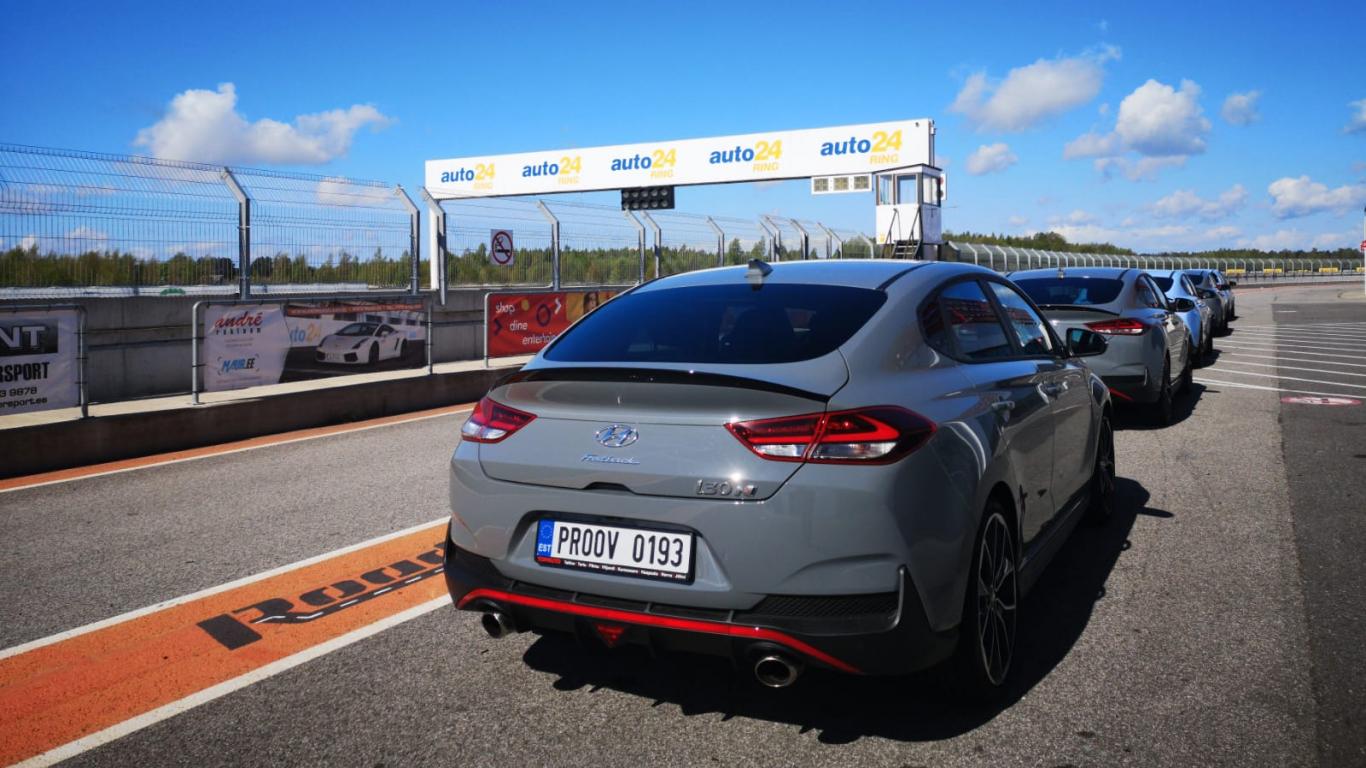 Testējam ārzemēs — <strong><em>Hyundai Performance</em> trases diena</strong> <em>auto24ring</em> trasē