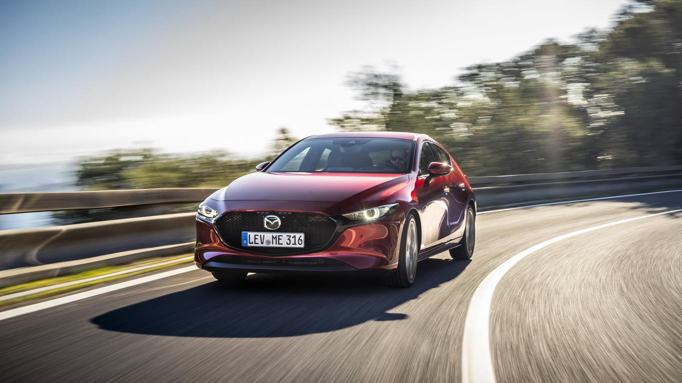 Jaunās <em>Mazda3</em> automašīnas ar <strong><em>Skyactiv-X</em> dzinēju</strong> Latvijā ieradīsies rudenī