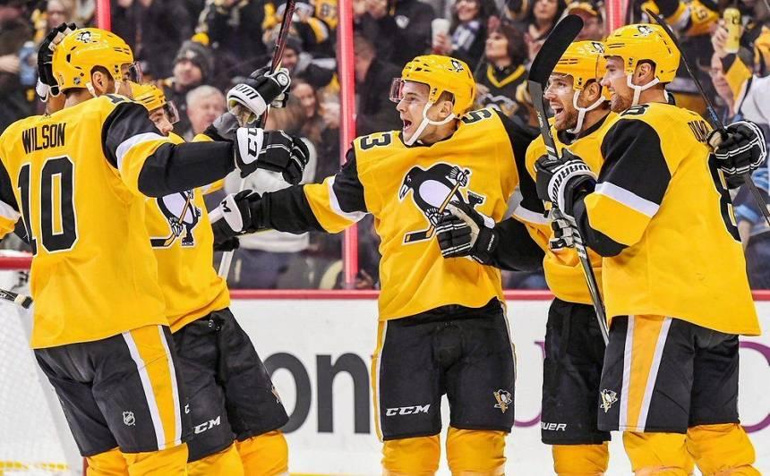 <strong>Bļugers</strong> noslēdz <strong>divu gadu līgumu</strong> ar Pitsburgas <em>Penguins</em>